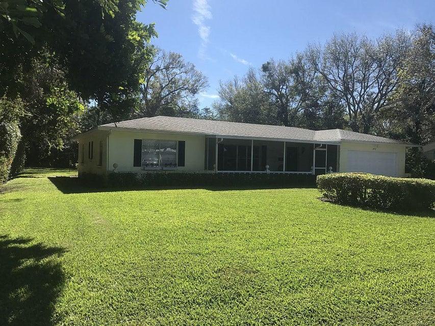 2052 Cortez Avenue, Vero Beach, FL 32960
