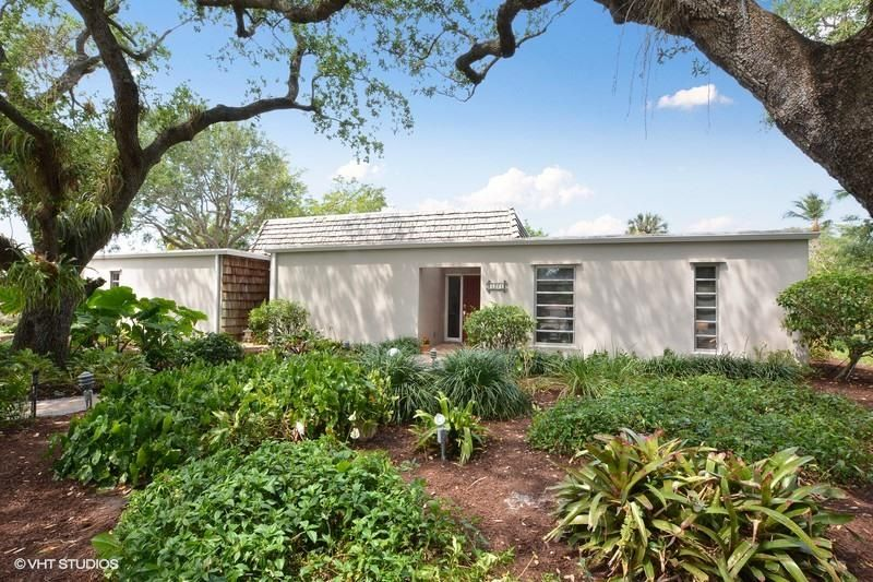 1221 Sw 13th Place