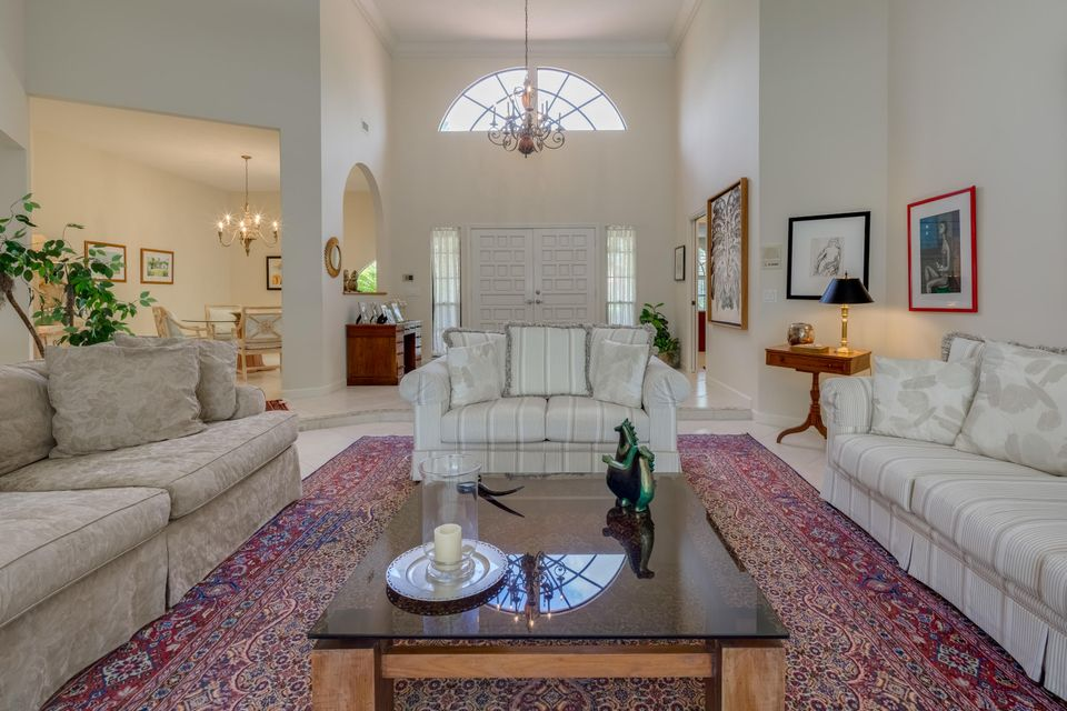 05_living-room2_210 Thornton Drive_Prest