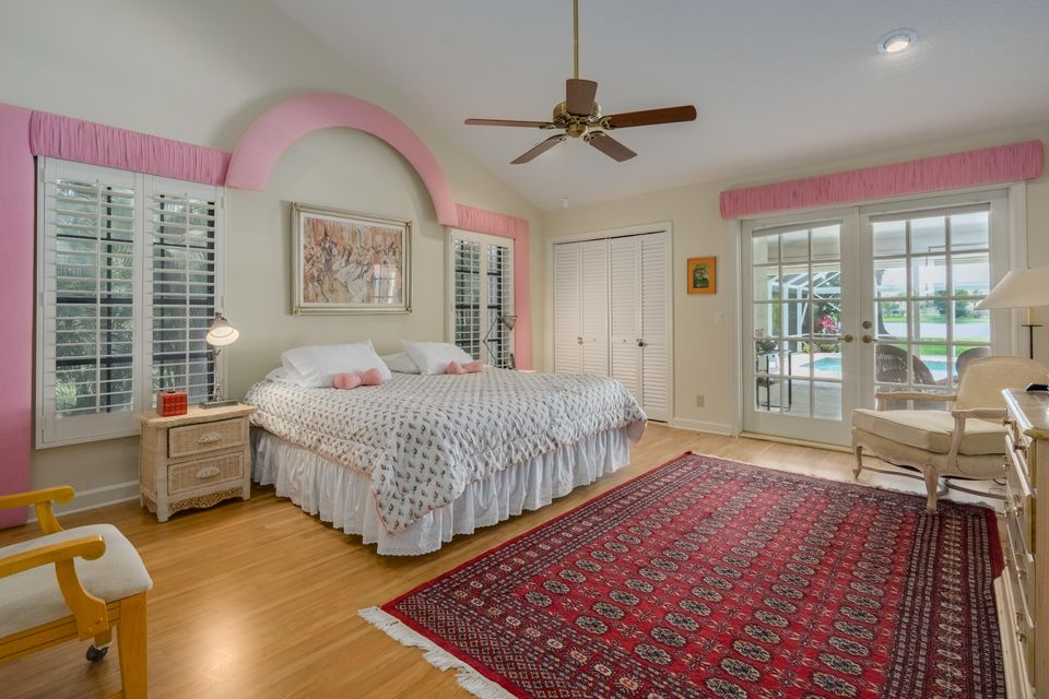12_master-bedroom_210 Thornton Drive_Pre