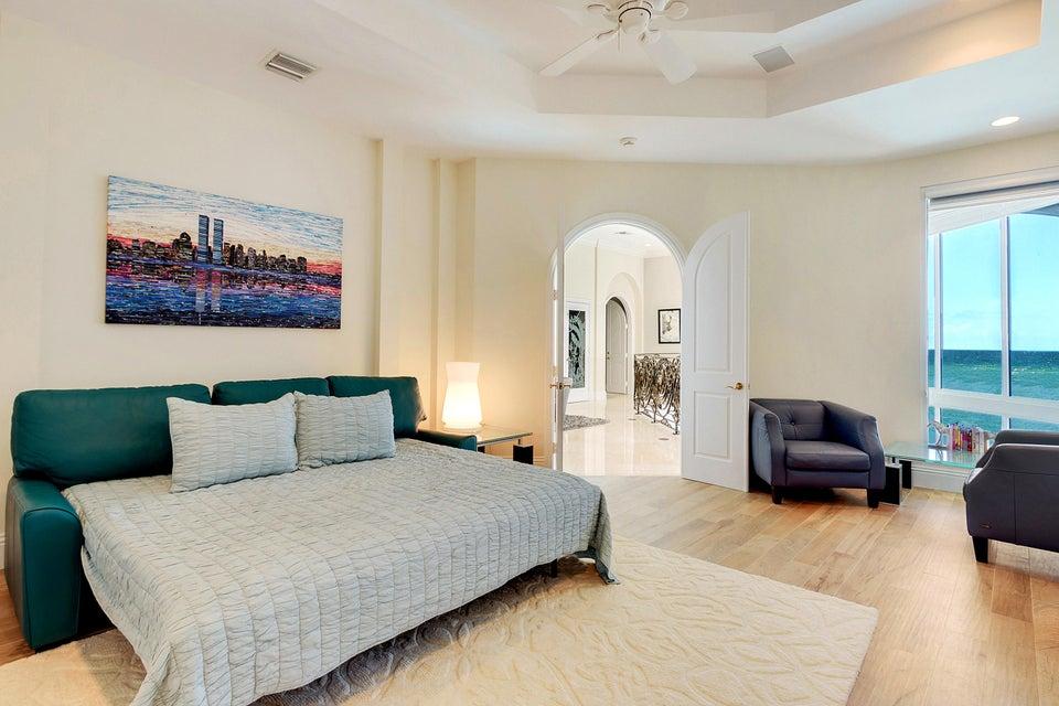 Lev3 Bedroom Suite