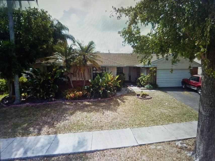 1061 Hamlin Terrace, Davie, FL 33325