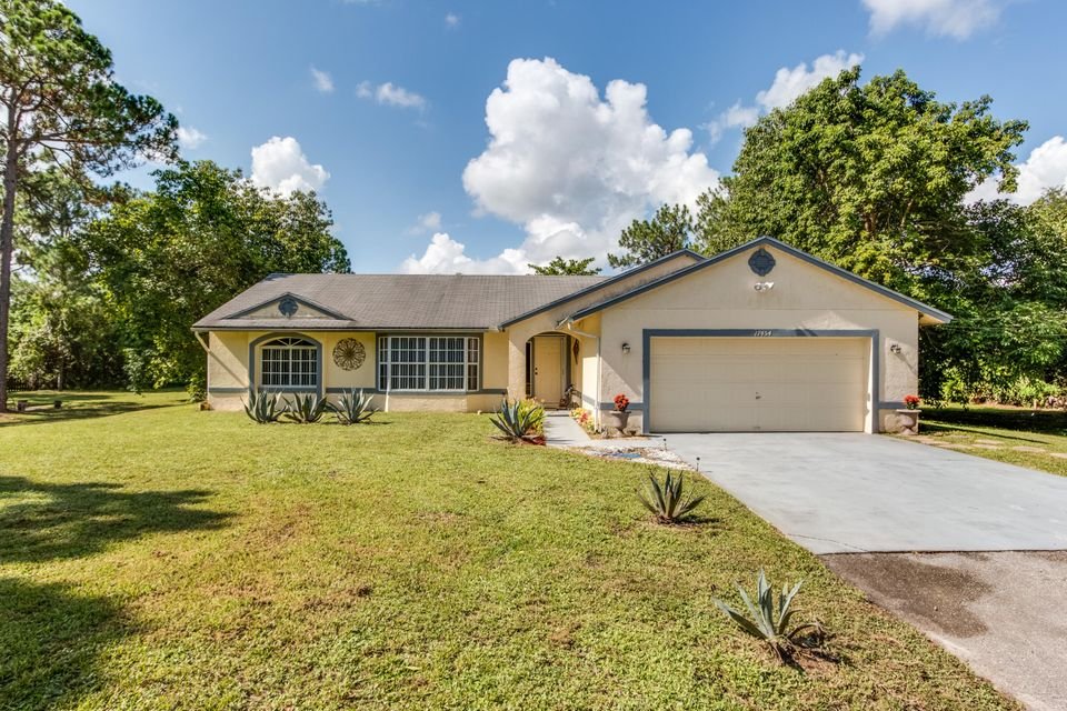 17454 49th Street N, Loxahatchee, FL 33470
