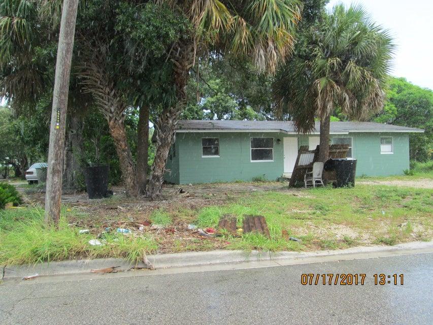 1112 Avenue E, Fort Pierce, FL 34950