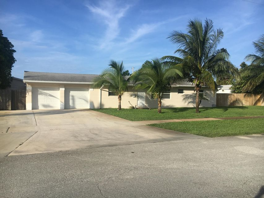 1215 4th Street, Lake Park, FL 33403