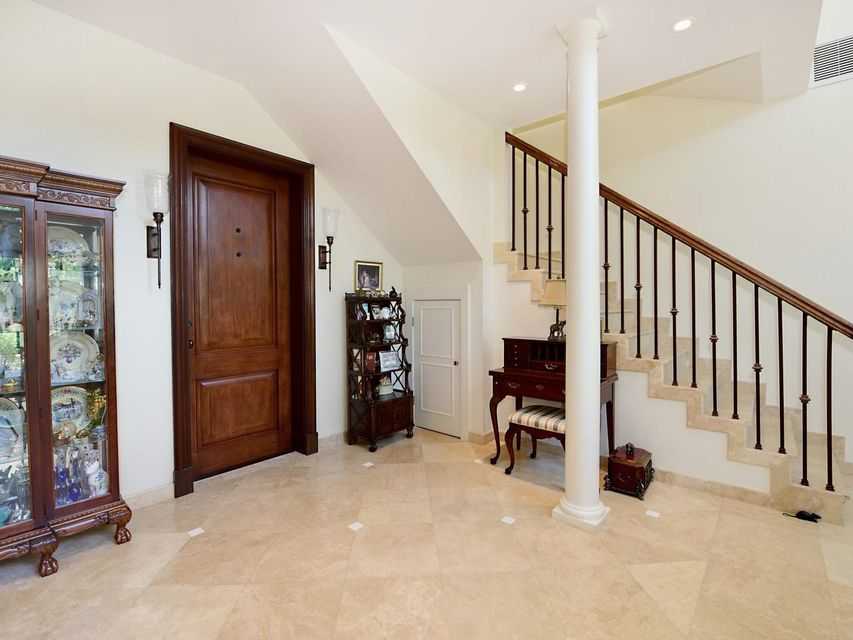 Grand foyer & stairwell
