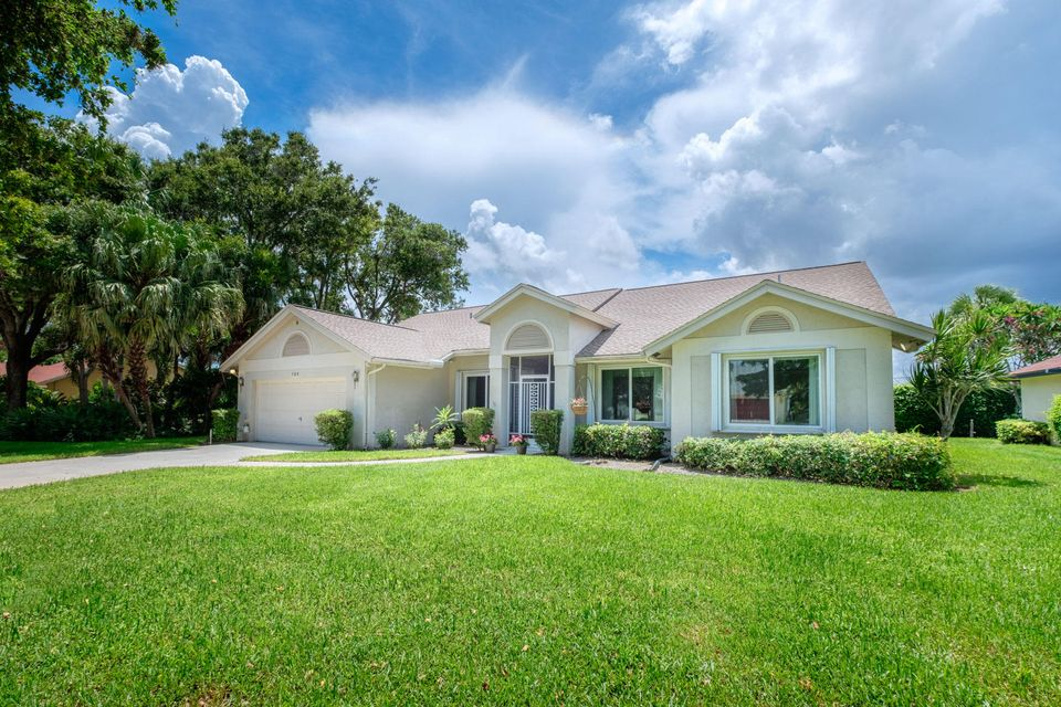 720 Birdie Court, Delray Beach, FL 33445