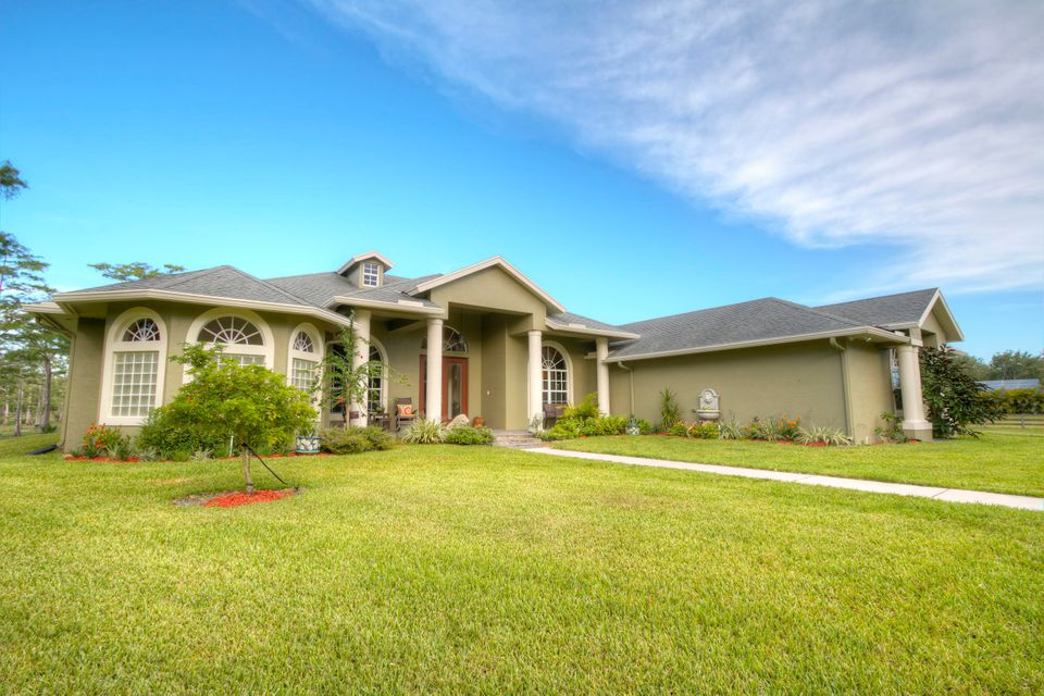 2744 Deer Run Trail, Loxahatchee, FL 33470