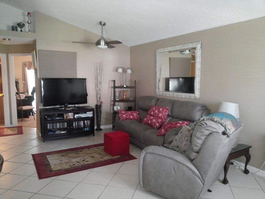 598 NW San Remo Circle, Port Saint Lucie, FL 34986