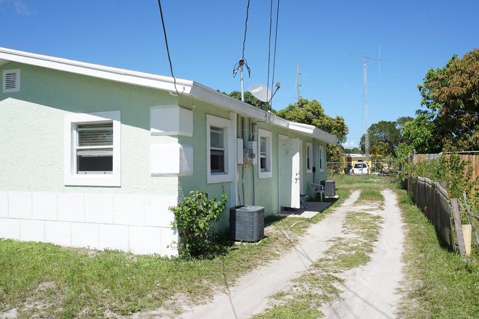 906 N 22nd Street, Fort Pierce, FL 34950