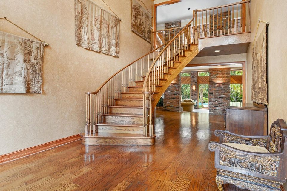 09_3268NOceanBlvd_68_Staircase_Custom_Re