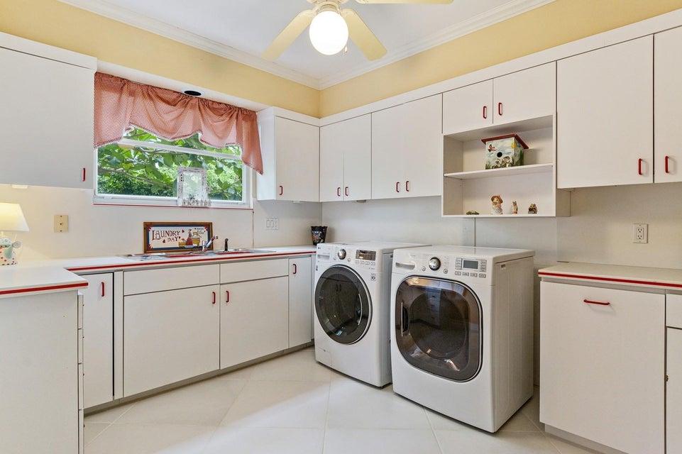 20_3268NOceanBlvd_44_LaundryRoom_Custom_