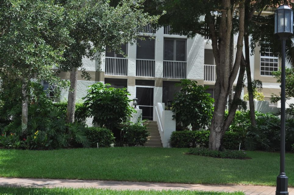 7370 Orangewood Lane 102, Boca Raton, FL 33433
