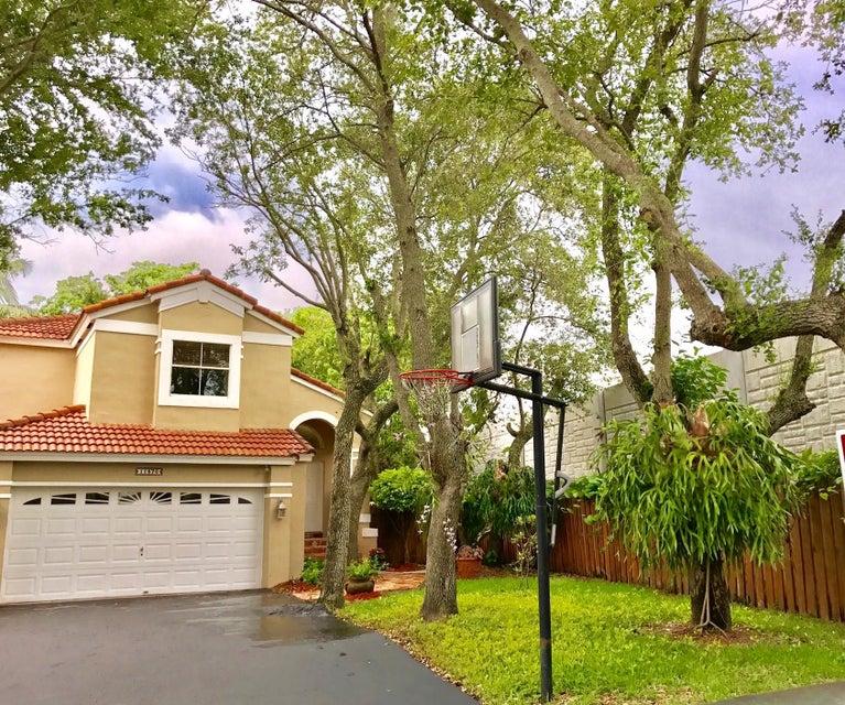 11876 SW 90th Terrace, Miami, FL 33186