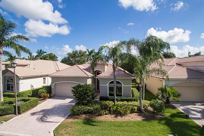 10748 Grande Boulevard, West Palm Beach, FL 33412