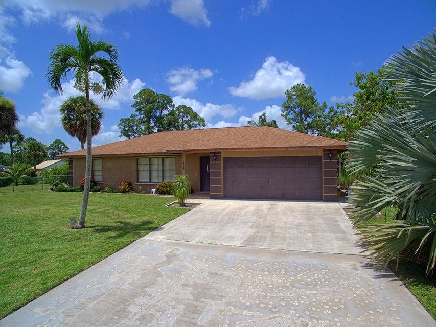 16745 E Burns Drive, Loxahatchee, FL 33470