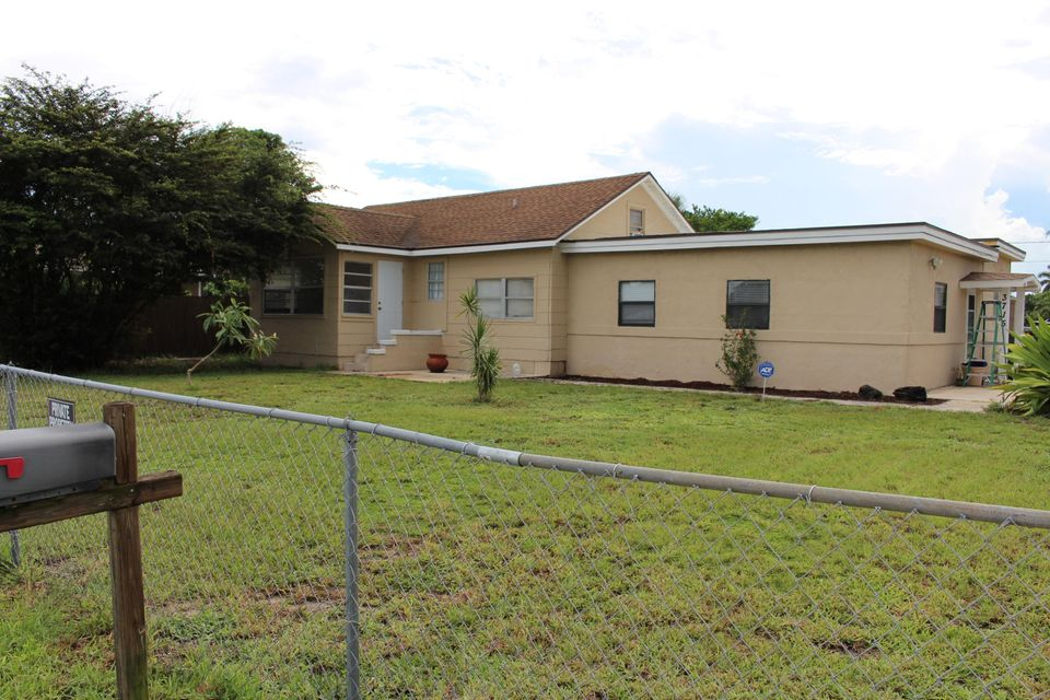 3715 coconut road lake worth fl 33461 mls rx 10357463 for Bathrooms plus lake worth fl