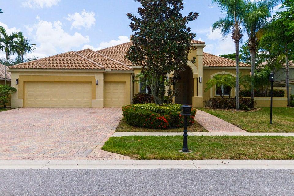 7039 Mandarin Drive, Boca Raton, FL 33433