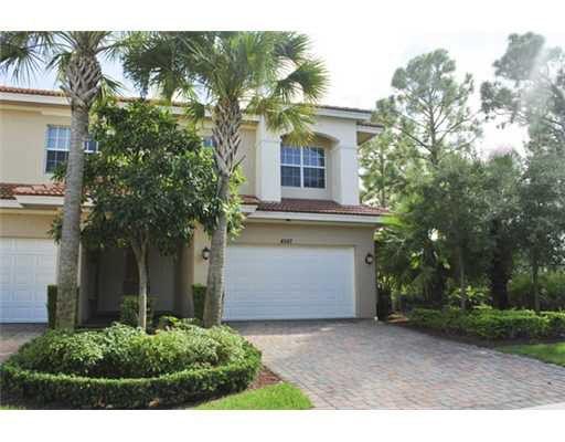 4587 Artesa Way S, Palm Beach Gardens, FL 33418