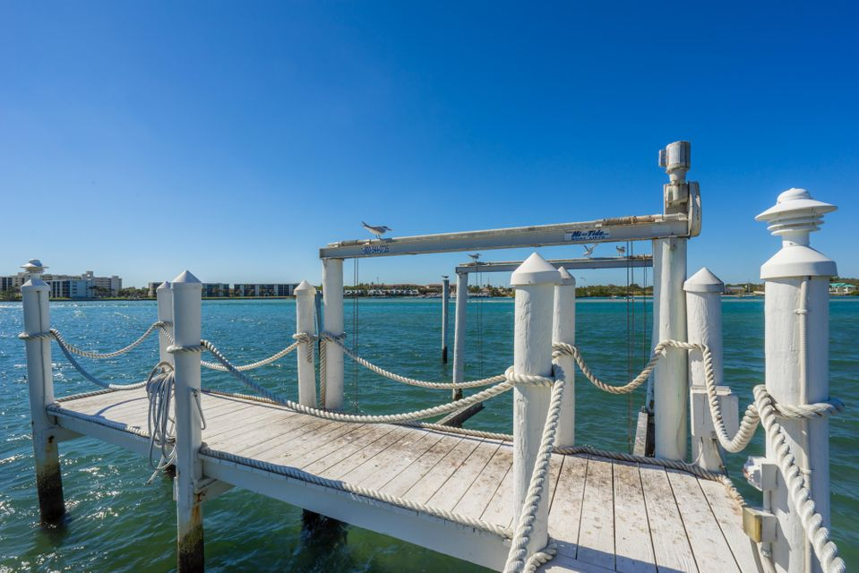 Dock & Boat Lift