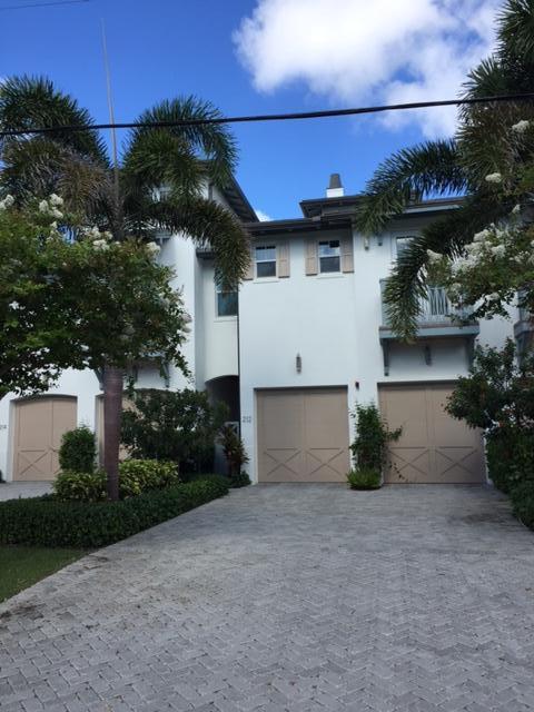 212 Venetian Drive, Delray Beach, FL 33483