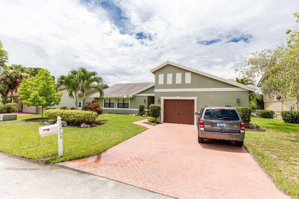 7425 Corkwood Terrace, Tamarac, FL 33321
