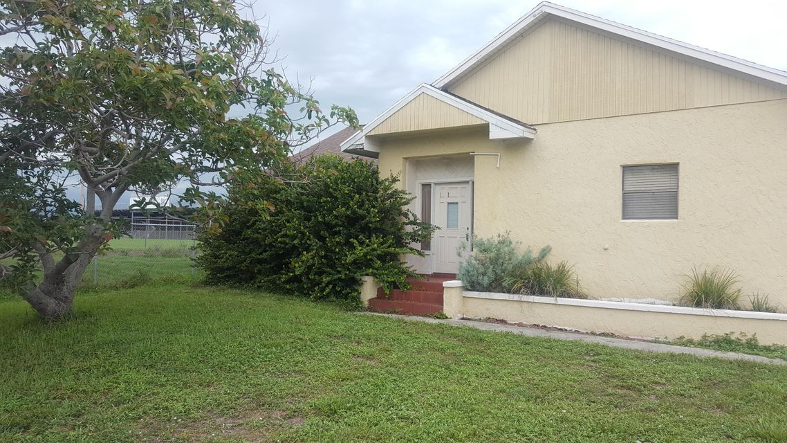 3529 Sapphire Road, Lake Worth, FL 33462
