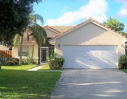 3763 S Lancewood Place, Delray Beach, FL 33483