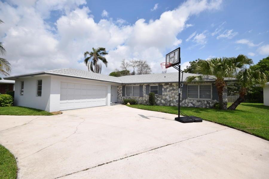 1351 SW 27th Avenue, Boynton Beach, FL 33426