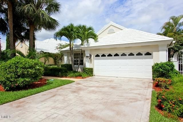944 Dickens Place, West Palm Beach, FL 33411