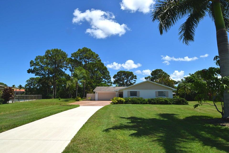 1605 NW Bay Tree Circle, Stuart, FL 34994