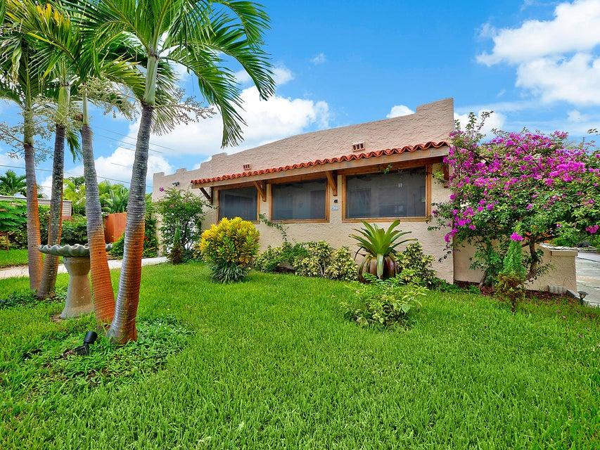 423 Oxford Street, West Palm Beach, FL 33405