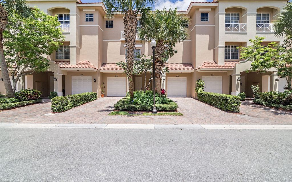 5102 W Artesa Way, Palm Beach Gardens, FL 33418