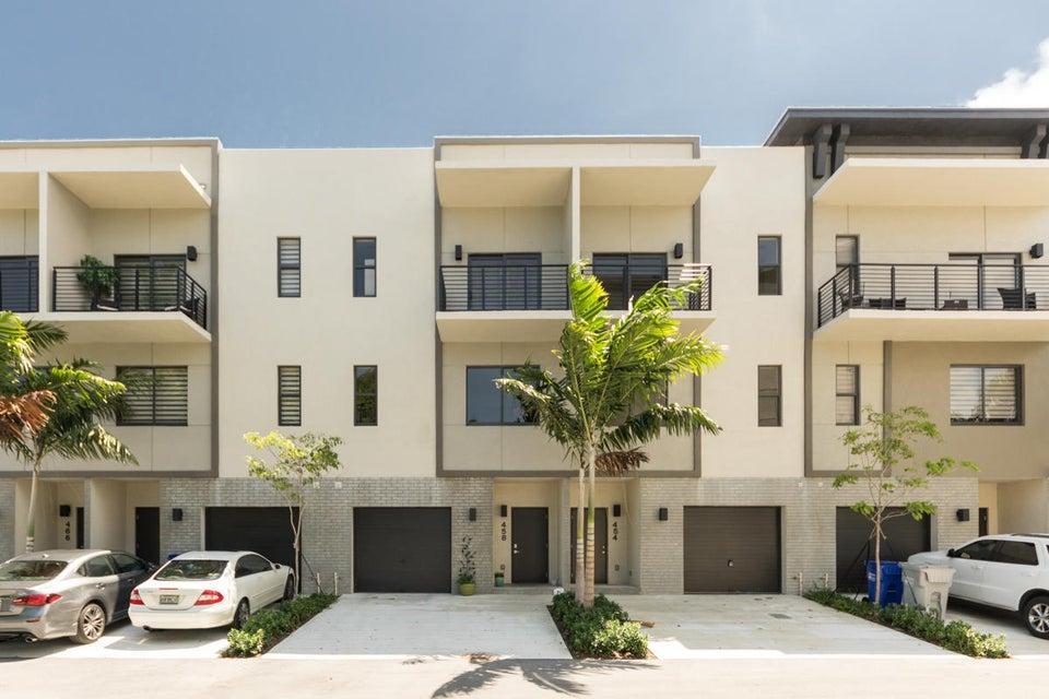 458 SE 1 Circle, Pompano Beach, FL 33060