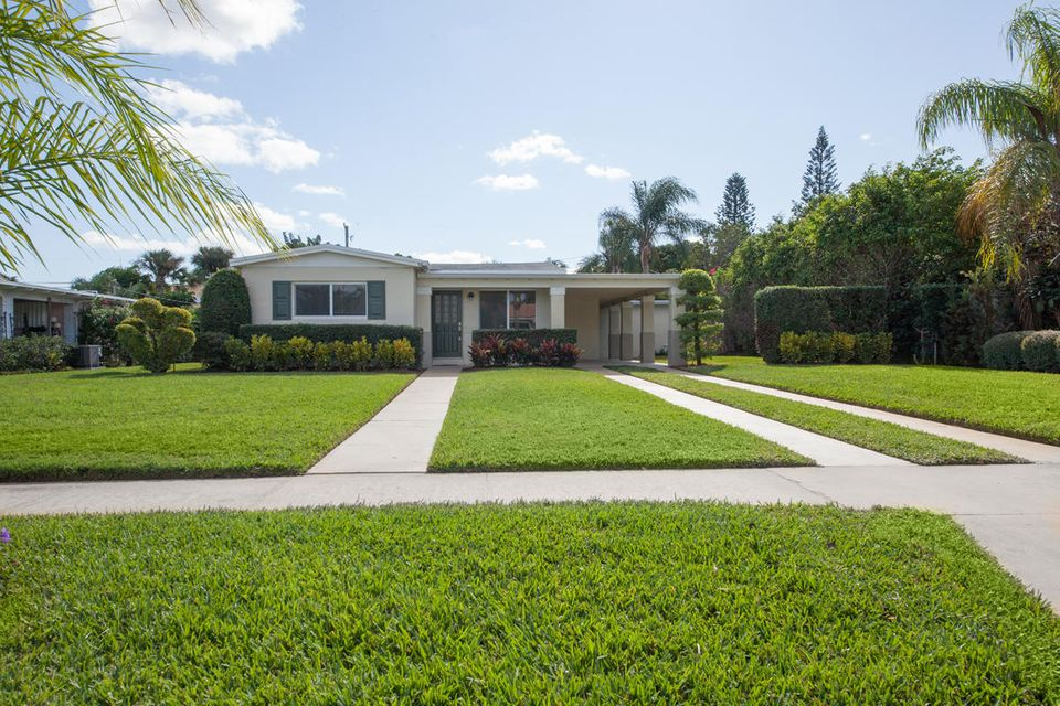 256 Alhambra Place, West Palm Beach, FL 33405