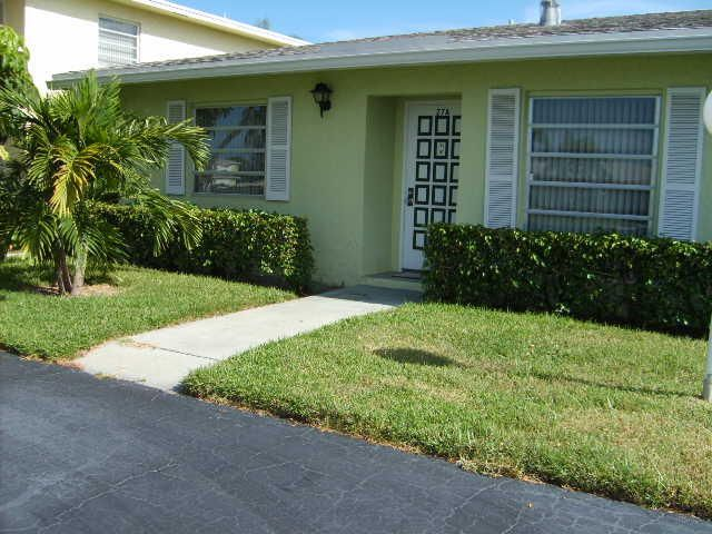 2520 Juniper Drive 27-A, Delray Beach, FL 33445