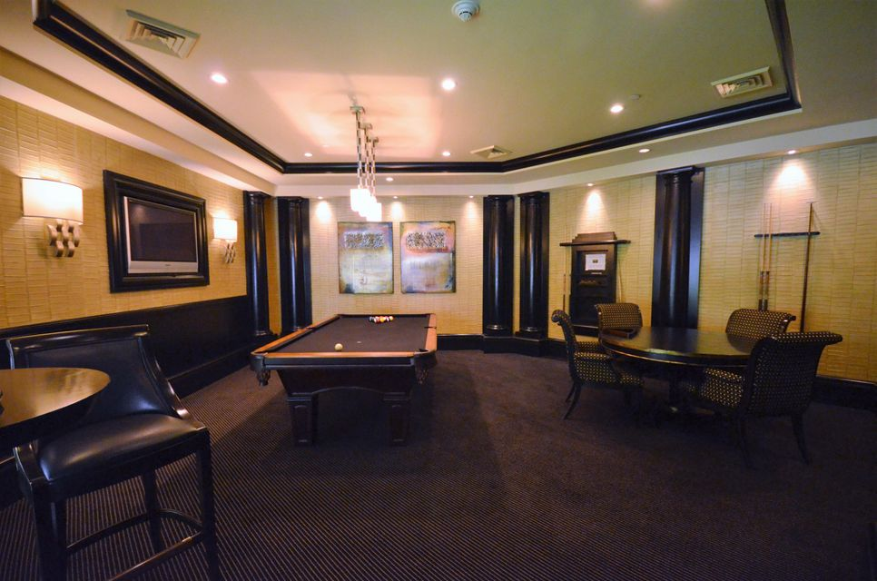 Billards Room- common area