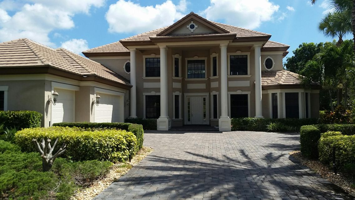 9827 SE Sandpine Lane, Hobe Sound, FL 33455