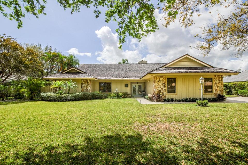 18276 SE Heritage Drive, Tequesta, FL 33469