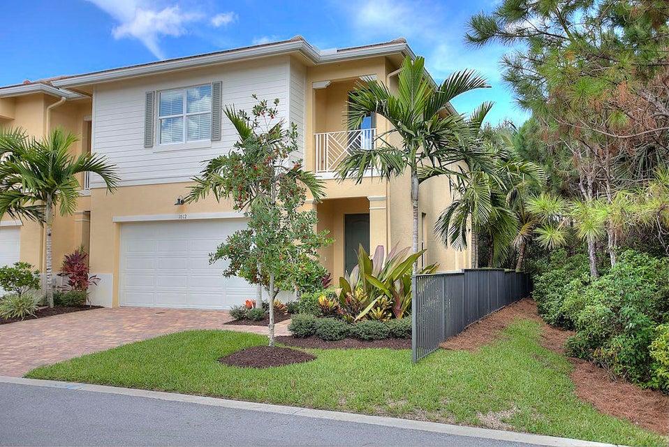 1012 Piccadilly Street, Palm Beach Gardens, FL 33418