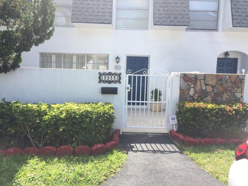3933 SW 67th Terrace 101, Davie, FL 33314