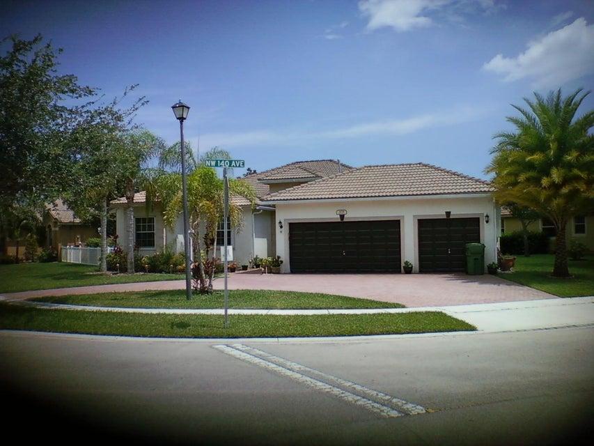 2175 NW 140th Avenue, Pembroke Pines, FL 33028