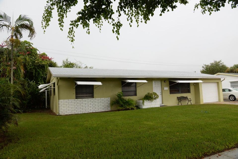 816 Juniper Drive, North Palm Beach, FL 33408