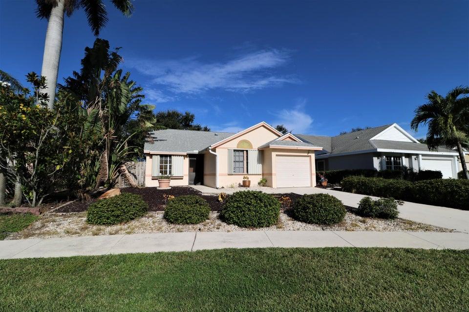 9 Misty Laurel Circle, Boynton Beach, FL 33436