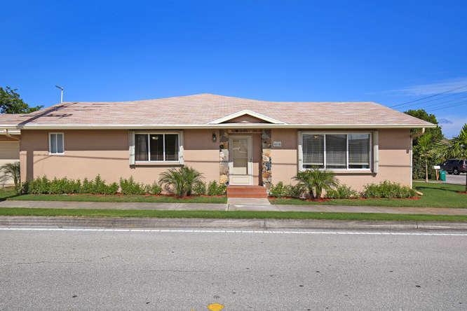 1616 18 Avenue N, Lake Worth, FL 33460