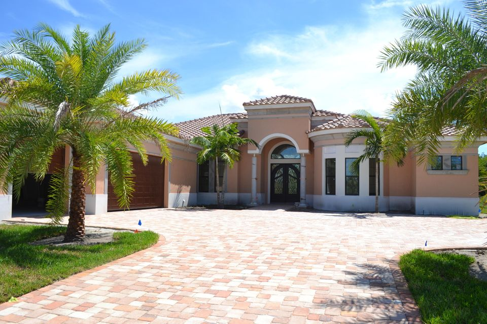134 SE Fiore Bello, Port Saint Lucie, FL 34953