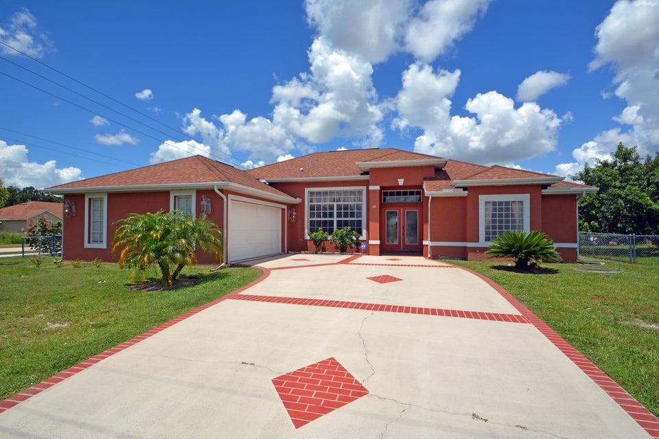 691 SW Montana Terrace, Port Saint Lucie, FL 34953