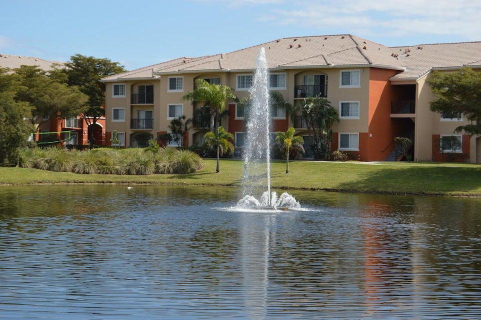4191 Haverhill Road 404, West Palm Beach, FL 33417