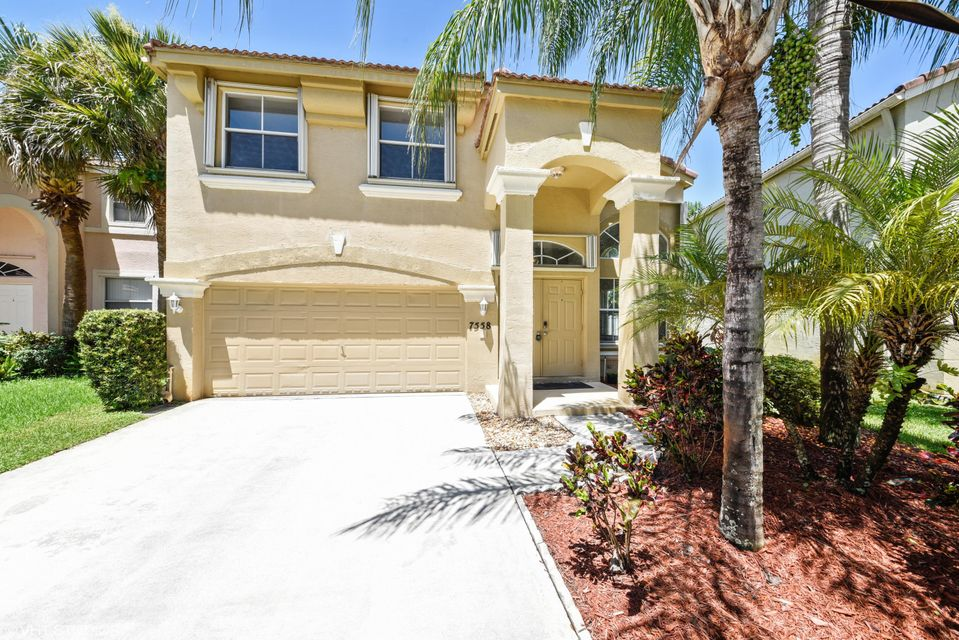 7558 Oak Grove Circle, Lake Worth, FL 33467