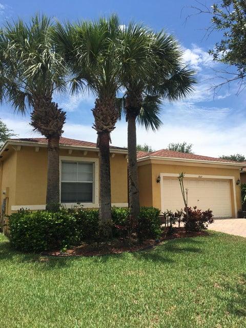 807 Fieldstone Way, West Palm Beach, FL 33413